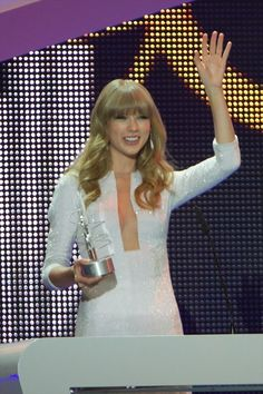 Taylor Swift - '40 Principales Awards' 2012 Photocall - January 24, 2013 - Gala