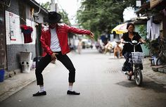 Chinese MJ tribute act Zhang Feng fighting for his life http://www.mjvibe.com/chinese-mj-tribute-act-zhang-feng-fighting-for-his-life/