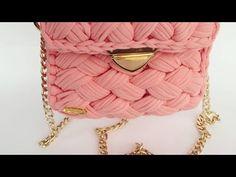 Ters fıstık çanta yapımı - YouTube Alpha Patterns, Purse Patterns, Crochet Stitches, Crochet Patterns, Crochet Panda, Yarn Bag, Diy Tote Bag, Quilted Bag, T Shirt Yarn