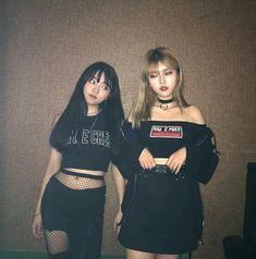 pin: @fabxiety (͡° ͜ʖ ͡°) #KoreanFashion