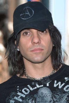 Criss Angel. Oh that's just so good.