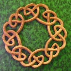 "Celtic WreathHeaven Knot The ""Heaven"" (Neamb) Knot expressed as a wreath …A symbol of welcome, warmth and family relationship. A lovely 'hearth and home' symbol for those who make their space a sanctuary. Spiritual Symbols, Celtic Symbols, Celtic Art, Celtic Knots, Buddha Symbols, Celtic Patterns, Celtic Designs, Home Symbol, Quilting Board"