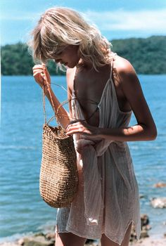 Relaxed Beach Living | Light Layers + Straw Bags