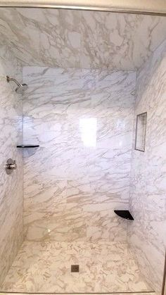 Consider this important photo in order to visit the here and now tips on walk in shower tile ideas Rustic Bathroom Shower, Rustic Bathroom Designs, Rustic Bathroom Vanities, Bathroom Design Luxury, Small Bathroom, Rustic Vanity, Dyi Bathroom, Modern Vanity, Bathroom Shower Designs