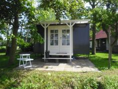 Leuketrijne.nl in friesland B & B, Travelling, Studios, Shed, Outdoor Structures, Lean To Shed, Coops, Barns, Sheds