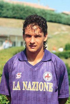 Football Names, Football Icon, Best Football Players, Football Uniforms, World Football, Football Soccer, Football Shirts, Roberto Baggio, Sport Icon