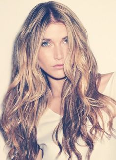 How To Lighten Your Hair Without Using Dye