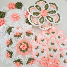 Crochet Squares, Crochet Doilies, Crochet Hats, Crochet Crocodile Stitch, Hand Embroidery Stitches, Doily Patterns, Diy And Crafts, Embroidery Ideas, Crochet Carpet