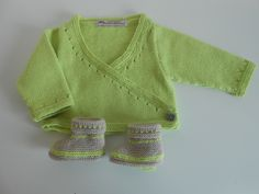 Erläuterungen zum Green Heart Cache in 6 Monaten Knitting For Kids, Baby Knitting, Crochet Baby, Knit Crochet, Knitted Baby, Crochet Doily Patterns, Crochet Doilies, Baby Socks, Baby Booties