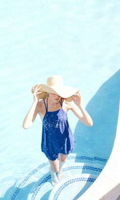 Summer Styles, Pool Vibes and the perfect big floppy hat to save yourself from the sun