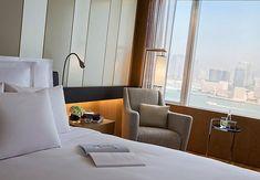 ✔ Giá từ: 7,000,000 VNĐ __________ ★ Số sao: 5 ____________________ ☚ Vị trí: Harbour Road, Wanchai ____ ❖ Tên khách sạn: Renaissance Harbour View Hotel Hong Kong _____ ∞ Link khách sạn: http://www.ivivu.com/vi/hotels/renaissance-harbour-view-hotel-hong-kong-W74728/ ∞ Khách sạn ở Hong kong: http://www.ivivu.com/vi/hotels/chau-a/hong-kong/hong-kong-island/all/1040/