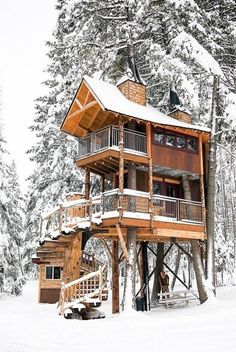 Treehouse Rentals: The 14 Best in the U. Elevate your camping game and fulfill your childhood dream by booking a weekend getaway at one of these 14 amazing treehouse rentals. Vacation Destinations, Dream Vacations, Vacation Spots, Vacation Ideas, Poster Diy, Mundo Hippie, Beautiful Homes, Beautiful Places, Treehouse Hotel