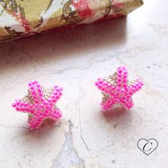 Orecchini a lobo stella marina di CheriFashionHandmade su Etsy #earrings #beaded #beads #star #starfish #cherihandmade