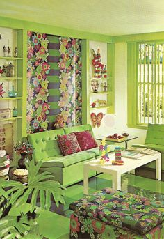 Funky home decor area - Truly sensational room decorating design. Topic image classified in category funky home decor ideas old signs, shared on 20190409 unit %%RAND% Vintage Interior Design, Vintage Interiors, Interior Design Living Room, Living Room Green, Green Rooms, Funky Home Decor, Retro Stil, Kitsch, Decoration