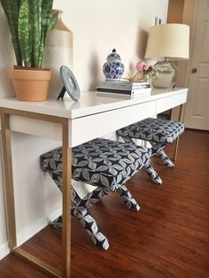 Lindsey Brooke Design: DIY Summer School: IKEA Hack paint gold legs on Besta Burs Desk as entry table