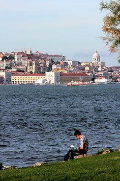 Lisboa by Hélder Cotrim - Lisbon, Portugal