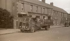 Old Lorries, Old Commercials, Dublin Ireland, Guinness, White Photography, Transportation, Scenery, Beer, Paisajes