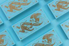 此專案為Duke與Rose婚卡設計,以old school插畫風格繪製成主視覺,結合雙方中國傳統生肖(猴與雞)以及星座,並以代表無限之符號轉化成緞帶將兩人串聯起來,代表愛的永恆,整體風格想呈現不同以往既定印象之喜帖,以東西方風格的結合而成獨具特色的視覺。 在印製部分選用高明度的色紙燙金讓婚卡希望讓每個收到的人愛不釋手,並感受到新人的心意。