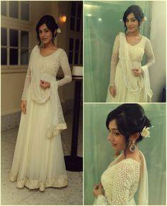 Amrita Rao looks ethereal in this gorgeous Kanika Kedia anarkali