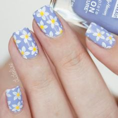 Popular Summer Manicure Charming Daisies On Lilac Base Which summer nail colors do you prefer bright or more neutral? Explore trendy nail designs for the summertime Bright Summer Nails, Cute Summer Nails, Spring Nails, Cute Nails, Nail Summer, Winter Nails, Smart Nails, Spring Nail Art, Fall Nails