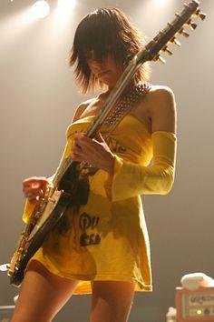 PJ Harvey : Rock n Roll bad ass!