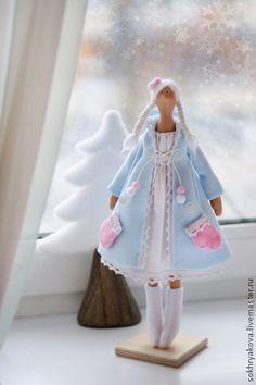 Куклы Тильды ручной работы. Ярмарка Мастеров - ручная работа Снегурочка в стиле Тильда.. Handmade.