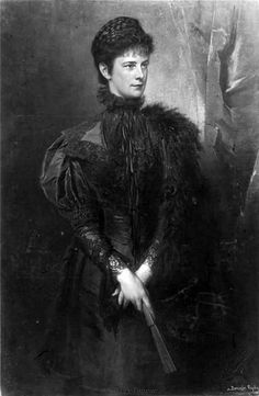 Portrait of Elizabeth by Gyula Bentsur, 1899 in Black and Withe.
