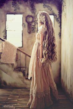 Her hair looks pretty ......