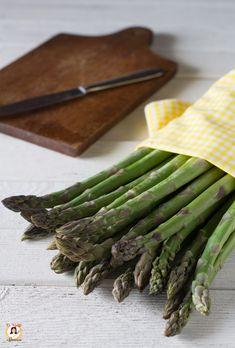 Come pulire gli asparagi verdi o selvatici Come cucinarli e conservarli Vegetables, Food, Canning, Vegetable Recipes, Eten, Veggie Food, Meals, Veggies, Diet