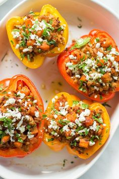 These ground turkey sweet potato stuffed peppers are filled with favours and a delicious homemade tomato sauce. Perfect recipe for you busy dinnertime.