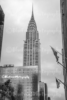 Chrysler Via Grand Central, Architectural Photography, Black and White, New York City Art, NY Print, Manhattan, Wall Art, Sizes Available from 5x7 to 20x30. Walking from 5th Avenue, 42nd street towards Grand Central you get this great view of the Chrysler Building. ***Photo comes un-matted and un-framed. Photos are shown in a room setting and are for size comparison. Last photo is a size comparison chart, is not the photo you are purchasing. Depending on the size you choose there may be…