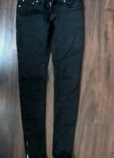 Kup mój przedmiot na #vintedpl http://www.vinted.pl/damska-odziez/rurki/13387720-czarne-rurki-zipy-na-nogawkach