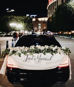 Get away cars are a tradition that has stood the test of time. Whether you go with a vintage ride or a modern one - it ways gives the… Wedding Send Off, Wedding Book, Boho Wedding, Wedding Cars, Dream Wedding, Garden Wedding, Wedding Ideas, Wedding Getaway Car, Bridal Car
