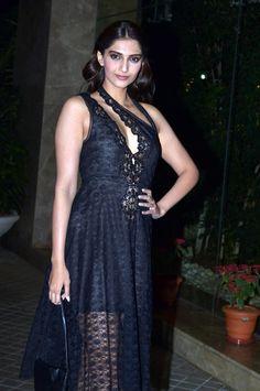 Sonam Kapoor at Farah Khan's 50th birthday bash. #Bollywood #Fashion #Style #Beauty