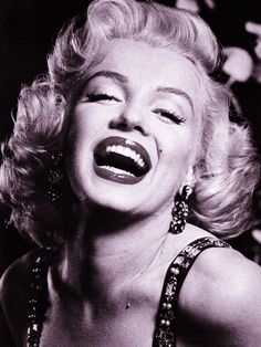 Marilyn Monroe Smile Famous Picture HOT GIRL SILK FABRIC B/W ART POSTER 24x32