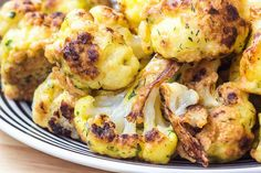 This Cauliflower Popcorn Recipe Takes Snacking to the Next (Healthy) Level Roasted Vegetable Recipes, Roasted Vegetables, Veggie Recipes, Vegetarian Recipes, Cooking Recipes, Cooking Tips, Vegetarian Grilling, Healthy Grilling, Veggie Dishes