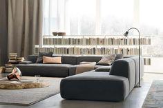 Disegnato da Francesco Rota, Cloud è un divano concepito come un grande gioco di forme libere e componibili, da accostare