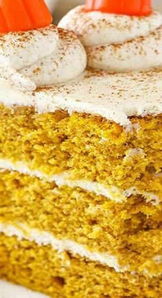 Pumpkin Layer Cake with Whipped Cream Cheese Frosting Pumpkin Recipes, Fall Recipes, Holiday Recipes, Pumpkin Cakes, Delicious Recipes, Whipped Cream Cheese Frosting, Smooth Cake, Star Cakes, Fall Cakes