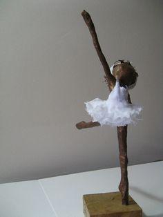 Ballerina sculpture. Available por Stephaniessculptures en Etsy