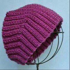 Специально для тех, кто не любит ходить в шапках придумана повязка :-) Несложная в исполнении, повязка на голову подарит вам тепло