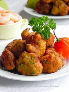 Shrimp fritters from the West Indies - Scroll down for the English version of the recipe. Haitian Food Recipes, Seafood Recipes, Indian Food Recipes, Cooking Recipes, Healthy Recipes, Ethnic Recipes, Carribean Food, Caribbean Recipes, I Love Food
