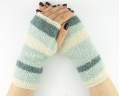 Knit gauntlets knit fingerless gloves wrists warmers by piabarile, $25.00
