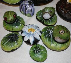 frogs & waterlilies