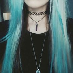 I miss my blue hair! Then again, I miss looking like this too. So thinking of dying my hair and getting this style back when I move to London!