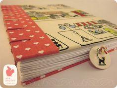Caderno Coração - caderno com as capas revestidas tecido. - costurado manualmente, costura copta. - 100 folhas sulfite (200 páginas) - marcador de página, um lado coração e o outro um gatinho. - formato A5 ( 21 × 14,8 cm ) - folhas sem pauta R$55,00
