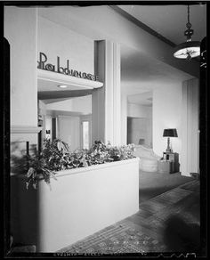 Polo Lounge, Paul Laszlo and Paul Williams - Beverly Hills Hotel, Beverly Hills Hotel, The Beverly, Streamline Moderne, Architectural Photographers, Hotel Stay, Vintage Interiors, Mid Century House, Retro, Interior And Exterior