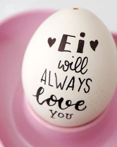 Easter eggs painting, DIY idea Easter, Easter decoration, Easter eggs with handlettering, Lett . - DIY Ostern - Welcome Diy Couture Cadeau, Diy Cadeau Noel, Diy Ostern, Happy Easter, Diy Art, Easter Eggs, Easter Table, Easter Bunny, Diy Gifts