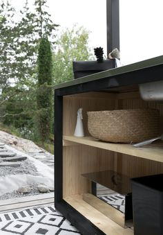 DIY: SAAREKE TERASSILLE | oblik. Outdoor Cooking, Cabinet Doors, Beach House, Pergola, Grill Station, Backyard, Cottage Ideas, Building, Balcony