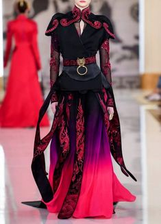 Heaven Gaia spring 2020 rtw : happiness is a butterfly Haute Couture Style, Couture Mode, Couture Fashion, Runway Fashion, High Fashion, Fashion Show, Womens Fashion, Fashion Design, Gowns Couture