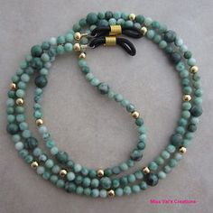 Green Ching Hai Jade and gold eyeglass chain for reading glasses. Gemstone Necklace, Beaded Necklace, Beaded Jewelry, Diy Jewelry, Eyeglasses, Jewelry Accessories, Reading Glasses, Creations, Jewelry Making